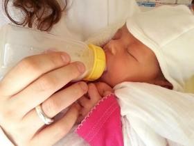 分享宝宝断奶的正确方法 科学方法断奶不痛苦