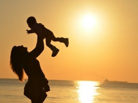 香港诊所医生说怀男孩的特点 孕妈可对比预测下