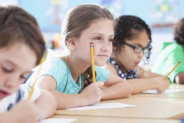 孩子不自觉写作业爱玩怎么办 这些办法请收藏好