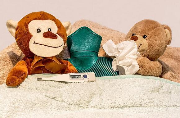 宝妈孩子高烧请假被拒 工作和孩子该如何抉择?
