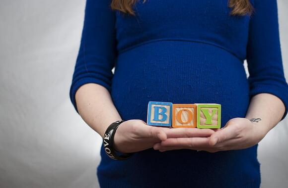 为什么孕妈去香港验血查男女前一定要先做B超?
